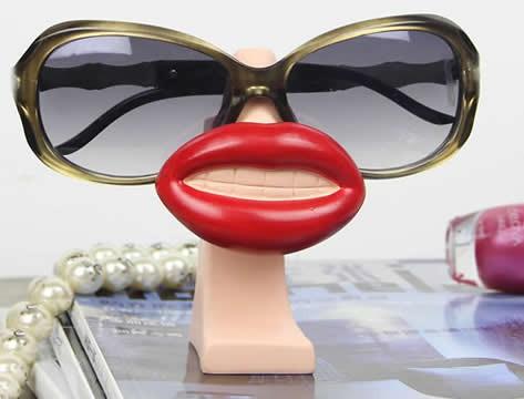 29f0185f502 Big Lips Sunglasses Glasses Holder   Spectacle Display Stand - FeelGift