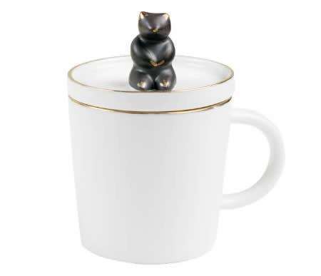 Porcelain Coffee Mug with Bear On Lid