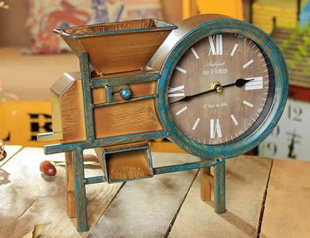Iron Art Retro Air Blower Shape Noiseless Desk Clock