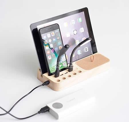 Wooden 4 USB Port Charging Docking Station for Smartphones and Tablets