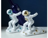 Creative astronaut wine rack home decoration win bottle holder