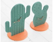 Fashion Cactus Noiseless Desk Clock