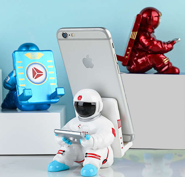 Creative cartoon space astronaut play cell phone mobile phone holder