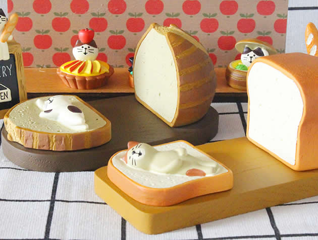 Cute cartoon cat and toast bread cell phone holder