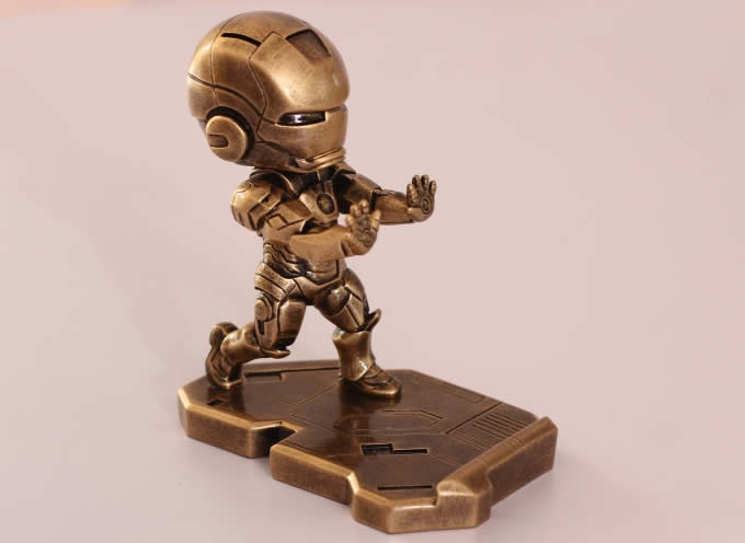 Portable Iron Man Desk Cell Phone Stand Holder Feelgift