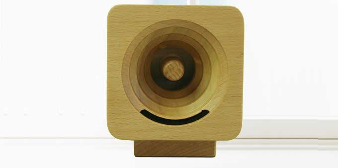 Turbo Prop Engine Wooden Sound Amplifier Stand Speaker Phone Holder Dock