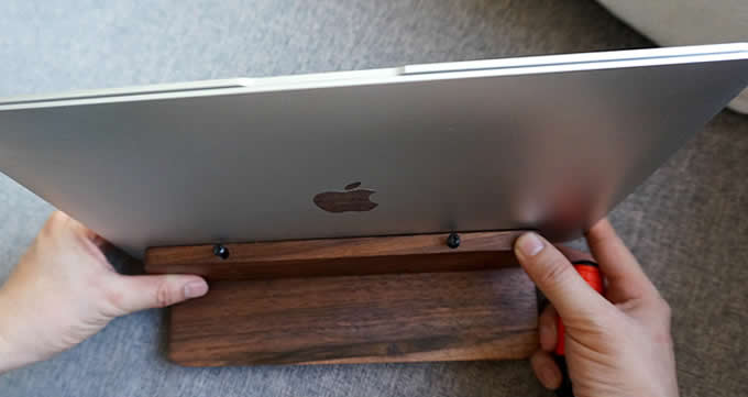 Wooden Desktop Vertical Laptop Stand Holder For Macbook