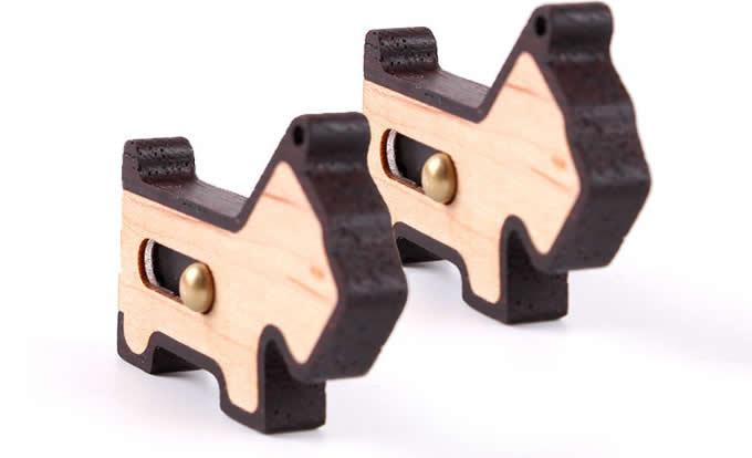 16G Wooden Dog USB Flash Drive