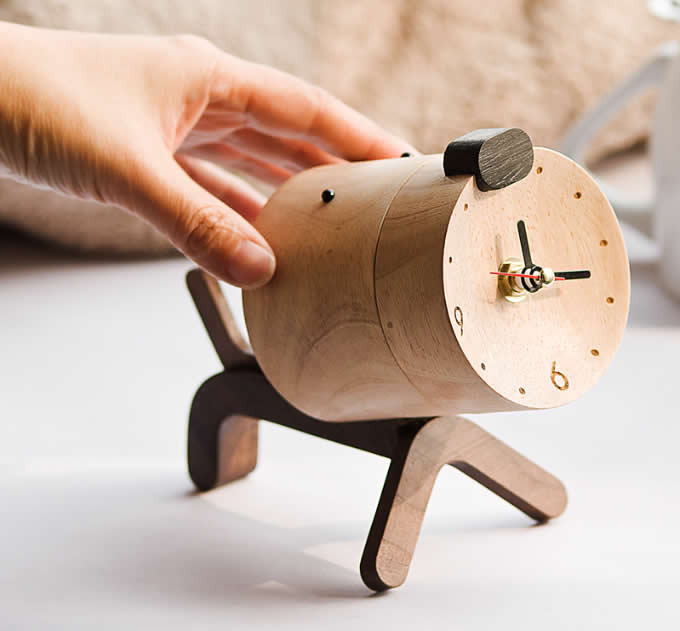 Dog-like Wooden Table Lamp