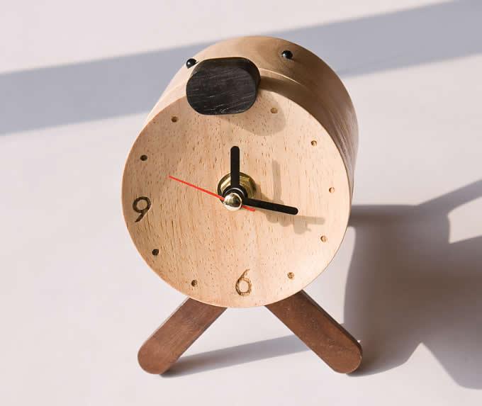 Dog Like Wooden Table Clock Feelgift