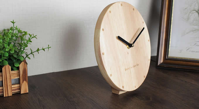 Modern Style Wooden Table Clock