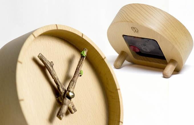 Plant Branch Desk Clock