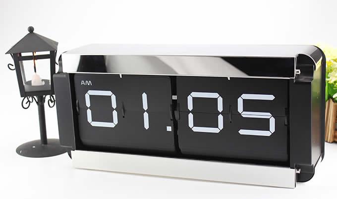 Square Shaped Auto Flip Clock