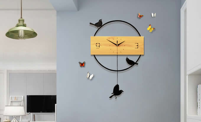 Wooden Swinging Bird Pendulum Clock