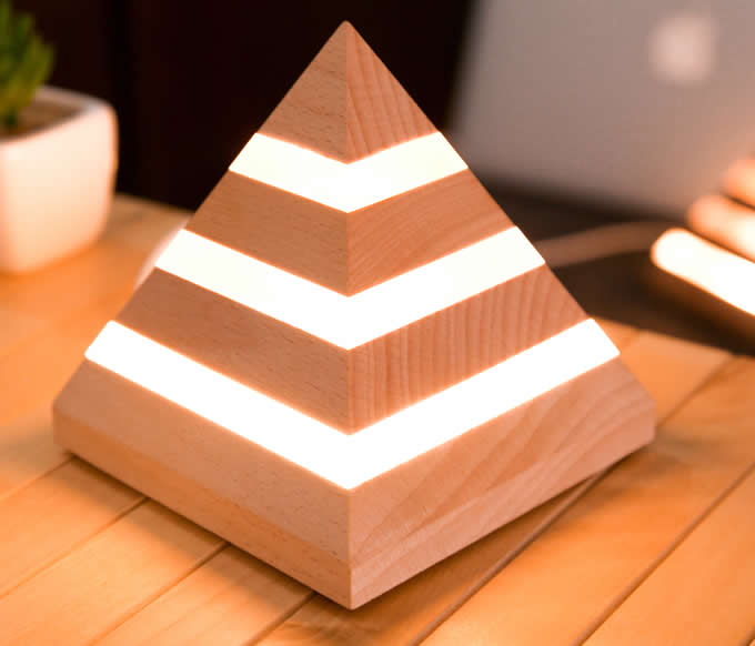 Wooden  Pyramid USB  Desk lamp