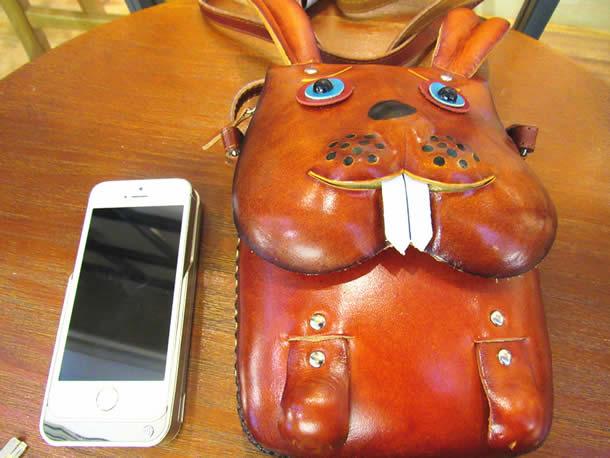 Cute big teeth cartoon bunny girl leather shoulder bag rabbit bag