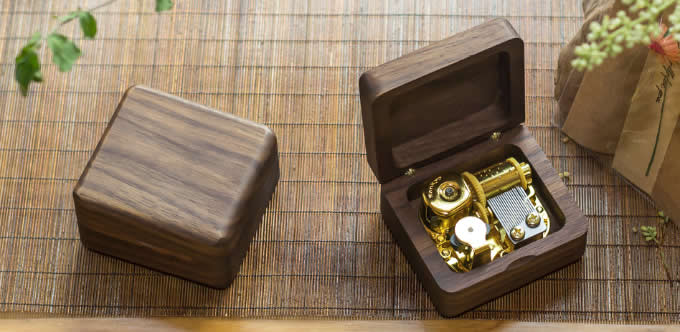 Black Walnut Wood Mechanism Musical Box
