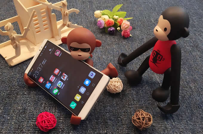 Portable Long Arm Monkey Desk Business Card Holder Cell Phone Holder