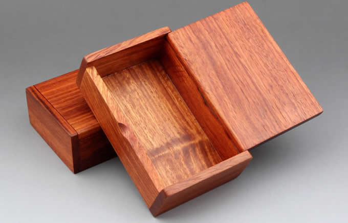 Red Sandalwood Wooden Cigarette Case