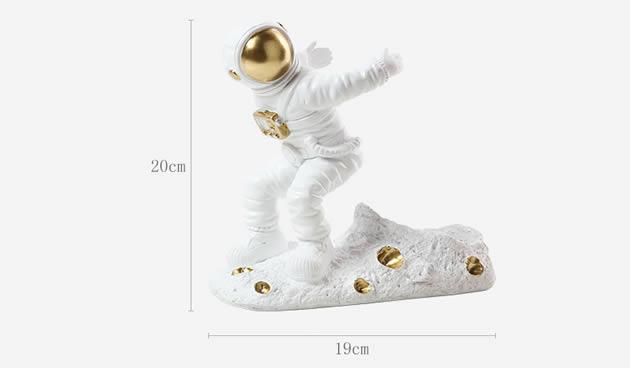 Creative astronaut wine rack home decoration win bottle holder