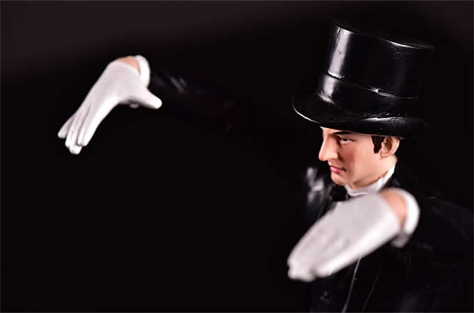 Magician Wine Bottle Holder