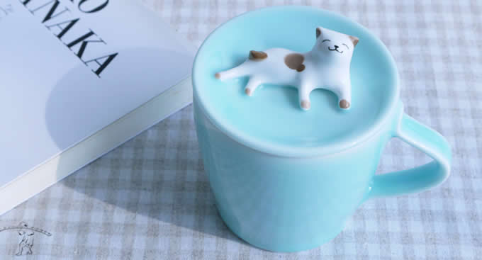 Porcelain Coffee Mug with 3D Cat On Lid