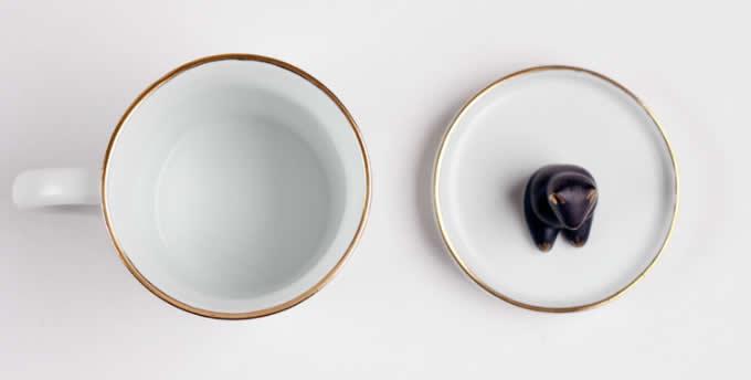 Porcelain Coffee Mug with Beer On Lid