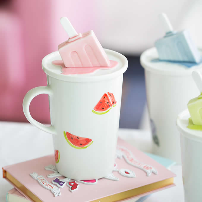 Porcelain Coffee Mug with Ice Cream On Lid