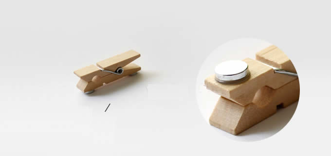 4 Wooden Refrigerator Magnetic Clips