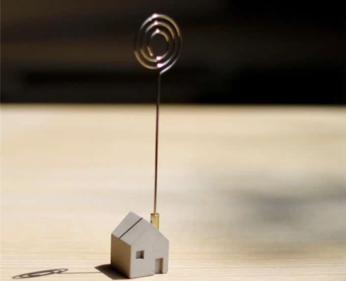 2pcs concrete house shaped magnetic photo memo clip holder