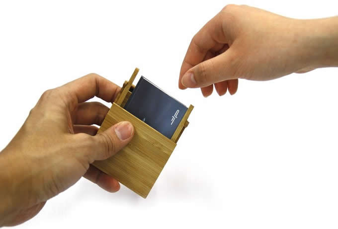 Nature  Bamboo  Business Card Case Holder