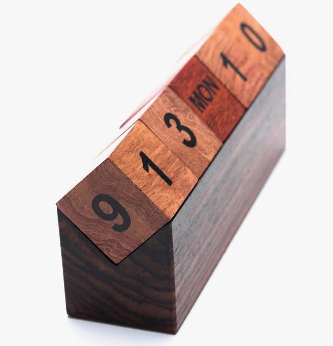 Wooden Cubes Perpetual Calendar