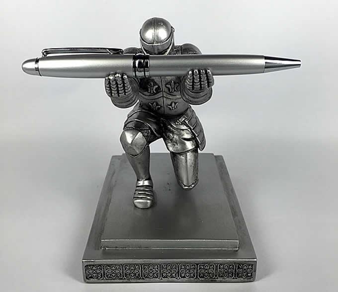 Executive Knight Pen Holder Feelgift