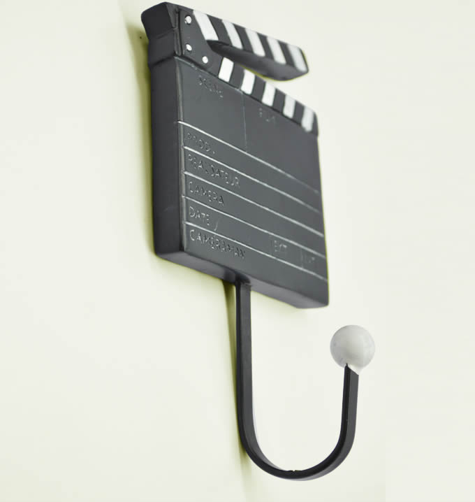 3Pcs Film Action Scene Art Coat Hook Wall Hangers /></p> <p style=