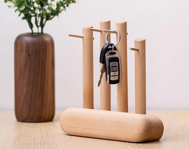 Brief black walnut wood jewelry key desktop brass storage hook