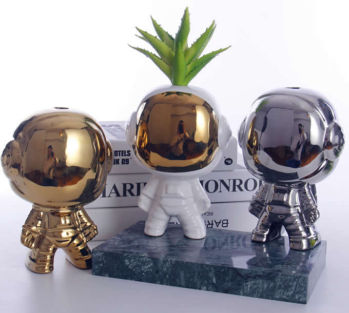 Ceramic  Astronauts Sculpture Home Decor Vase
