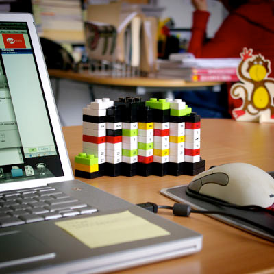 Plastic diy puzzle lego calendar feelgift for Cool things for home office