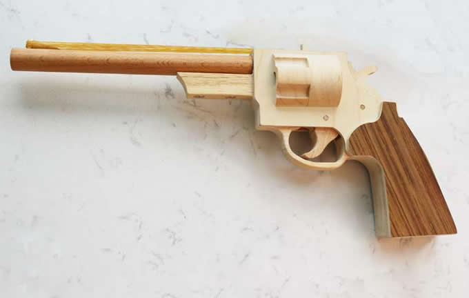 Wooden Rubber Band Revolver Feelgift
