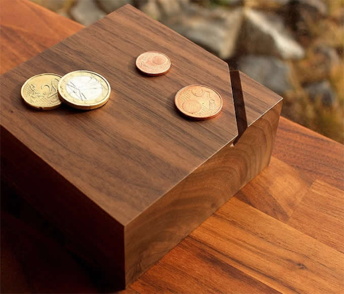 Black Walnut Wooden Coin Bank Money Saving Box Feelgift