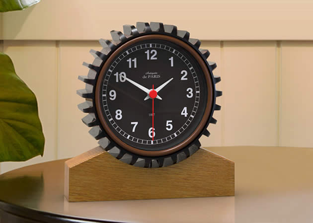 Retro Gear Industrial Style Desktop Small Desk Clock