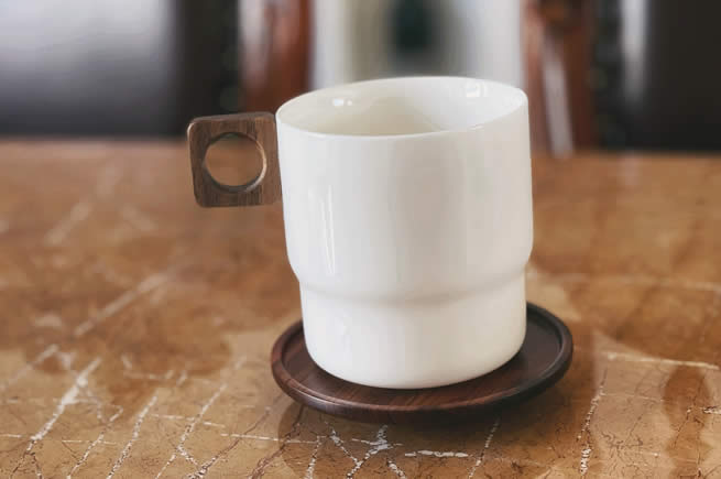 Brief Art Ceramic Coffee Cup With Wooden Handle