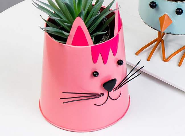 Pastoral Animal Decorative Iron Flowerpot