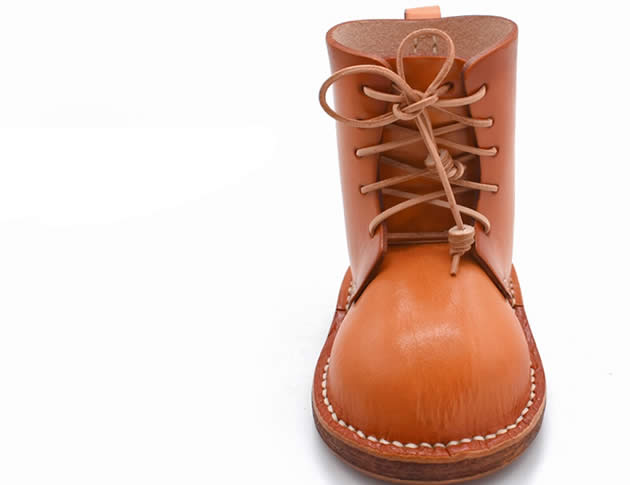 Classic Handmade Leather Boots Style Storage Shoes Pen Holder